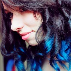 Curly blue ombré dip dyed hair- so cool and pretty! Gorgeous Hair Color, Hot Hair Colors, Hair Colour, Dip Dye Hair, Dip Dyed, Pretty Hairstyles, Braided Hairstyles, Dyed Hair Pastel, Cut Her Hair