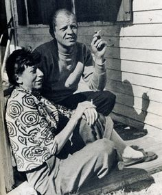 Lee Krasner and Jackson Pollock in Provincetown / Two very influential artists; married for about 11 years until Pollock's death in auto accident. Action Painting, Jackson Pollock, Willem De Kooning, Famous Artists, Great Artists, Artist Art, Artist At Work, Lee Krasner, Paul Jackson