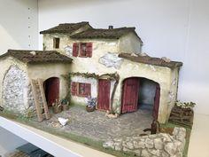 La Bastide Diy Nativity, Christmas Nativity Scene, Fontanini Nativity, Miniature Crafts, Miniature Houses, Scale Model Homes, Christmas Crib Ideas, Doll House Crafts, Ceramic Houses