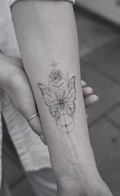 Line Tattoos, Body Art Tattoos, Cool Tattoos, Girl Back Tattoos, Sister Tattoos, Piercing Tattoo, Piercings, Aesthetic Tattoo, Delicate Tattoo
