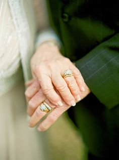 Engagement Rings 2018 A Love Story 63 Years in the Making Older Couple Poses, Older Couples, Couple Photoshoot Poses, Couple Posing, Couple Pictures, Photoshoot Ideas, Wedding Anniversary Photos, Anniversary Photography, Wedding Pics