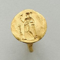 A GREEK GOLD RING, 2ND HALF OF THE 4TH CENTURY B.C.