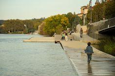 Paisaje y Arquitectura: Rives de Saône, sendero por la ribera del río que conecta naturaleza y ciudad / BASE | Plataforma Arquitectura