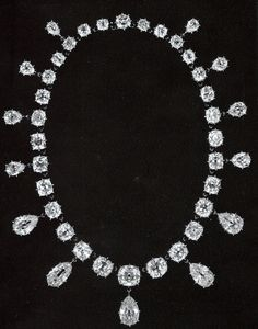 A girl could lose her head over these kinds of things:  Belonging to Marie-Antoinette : Collier diamants de Marie-Antoinette