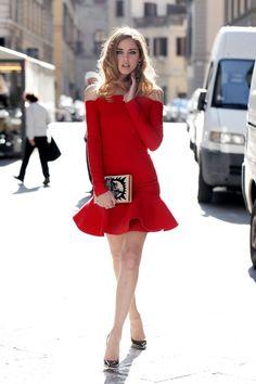 red one-piece 赤ワンピース美女