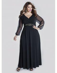Vestido negro de corte imperio con mangas transparentes