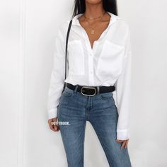 Oversized White Shirt 💭😍 New in! We are obsessed with our new shirt ✔️🔎 Chemise/ Shir Source by rominawieder shirt outfit Blue Striped Shirt Outfit, White Blouse Outfit, Oversized Shirt Outfit, White Shirt And Blue Jeans, Oversized White Shirt, White Shirt Outfits, Blue Jean Outfits, Casual Dress Outfits, Button Down Shirt Outfit Casual