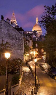 Winter's nights.. Montmartre, Paris, France