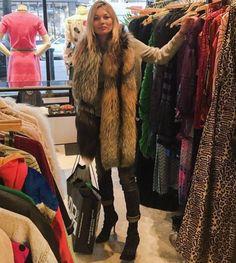 Kate Moss supermodel off duty model street style inspo mossy