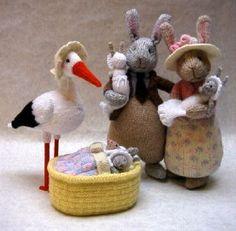 Oh la la, je craque total là :) Ravelry: Bunny Babies pattern by Alan Dart Knitted Dolls, Crochet Toys, Knit Crochet, Knitted Cat, Knitting Projects, Knitting Patterns, Somebunny Loves You, Alan Dart, Little Cotton Rabbits