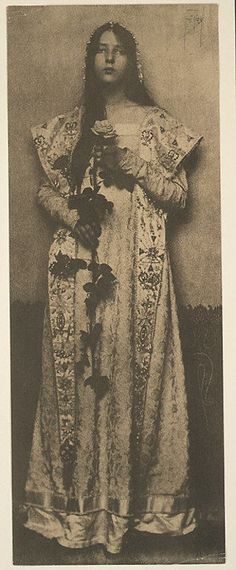 The Rose - Eva Lawrence Watson-Schütze - c. 1890 - 1903