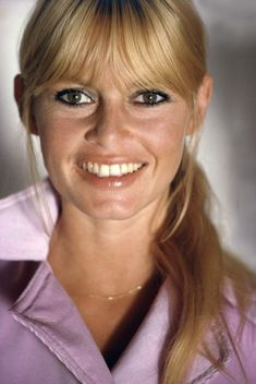 Brigitte Bardot in one of the rare moments she wore a ponytail. Brigitte Bardot, Bridget Bardot, Most Beautiful Faces, Beautiful Women, French Actress, Old Actress, And God Created Woman, Female Actresses, Hollywood Stars