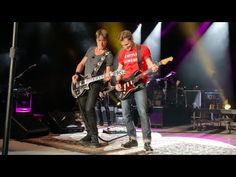 "Keith Urban and Frankie Ballard - ""Keep Your Hands to Yourself"" - YouTube"