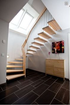 Interior stairs must be well fabricated or well painted, also the type of material used must be of good quality.