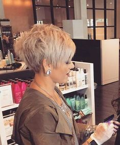 Short Hair Cuts For Older Women & Short Hairstyles & Haircuts 2017 Short Haircuts 2017, Popular Short Hairstyles, Short Pixie Haircuts, Popular Haircuts, Short Hairstyles For Women, Hairstyles Haircuts, Black Hairstyles, Short Hair Cuts For Women Pixie, Short Textured Haircuts