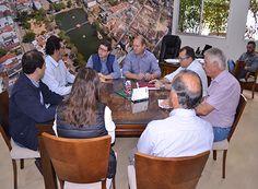 Prefeitura recebe relatório da Santa Casa http://www.passosmgonline.com/index.php/2014-01-22-23-07-47/regiao/10734-prefeitura-recebe-relatorio-da-santa-casa