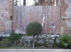 周りの環境を活かした動きのあるストリートアート (18)