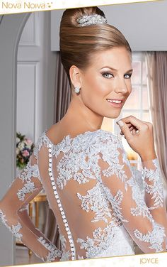 Joyce #vestidosdenoiva #noiva #vestidodenoiva #bride #wedding #casamento #weddingdress #weddingdresses #bridaldress
