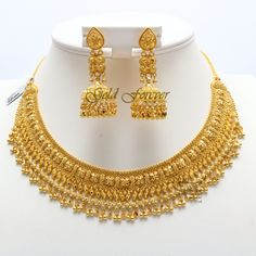 Indian Bridal Jewelry Sets, Gold Wedding Jewelry, Gold Jewelry, Punk Jewelry, Bridal Jewellery, Bohemian Jewelry, Diamond Jewelry, Indian Gold Necklace Designs, Gold Earrings Designs