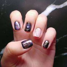 สวย ชิค ดูแพง Glitter Nail Art, Painting, Beauty, Dark, Painting Art, Paintings, Painted Canvas, Beauty Illustration, Bling Nail Art