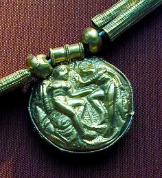 Etruscan Jewellery. | Ethnic Jewels Magazine  The Etruscan people were a sophisticated, luxury loving people who lived in Northern Italy 800 – 400 BC. They were astute traders, and had great wealth.