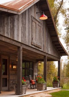 Pole barn house with rustic exterior, and metal roofing. Pole Barn House Plans, Pole Barn Homes, Pole Barns, Barn Plans, Garage Plans, Pull Barn House, Pole House, Barn Garage, Metal Building Homes