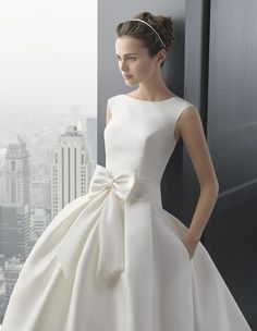 Spanish designer Rosa Clara is renowned for her feminine designs with strong, clean lines. We show you the Rosa Clara 2015 Bridal Collection Wedding Dresses For Sale, Cheap Wedding Dress, Bridal Dresses, Wedding Gowns, Prom Dresses, Formal Dresses, Modelos Fashion, Bridal Collection, Ideias Fashion