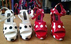 Sapatos maravilhosos de bolinha em couro feitos a mão com muito amor e carinho. Fernando Pires dá toda atenção a cada par que faz e cada um é único! Peças disponíveis na buff.ly/2ex66s0  #descontos #imperdivel #modafesta #festa #musseline #casamento #convidada #madrinha #formatura #formanda #lojaonline #loja #campinas http://ift.tt/29Ss7Qh #moda #campinas #grife #modabrasileira