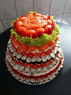 Tag your sushi loving friends! Sushi is a good source of iodine, and there is scientific evidence which states that iodine helps balance the thyroid hormones! Yummy Snacks, Snack Recipes, Delicious Food, Healthy Recipes, Mousse, Unusual Wedding Cakes, Sushi Cake, Vegan Wedding Cake, Wedding Cake Alternatives