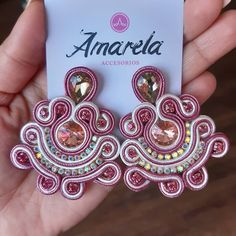 Fabric Jewelry, Diy Jewelry, Jewelry Making, Plastic Canvas Tissue Boxes, Plastic Canvas Patterns, Soutache Earrings, Women's Earrings, Handmade Necklaces, Handmade Jewelry