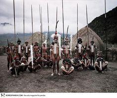 Ritratti mozzafiato delle Tribù più sperdute nel mondo prima che scompaiano |photographs-of-vanishing-tribes-before-they-pass-away-jimmy-nelson-42__880