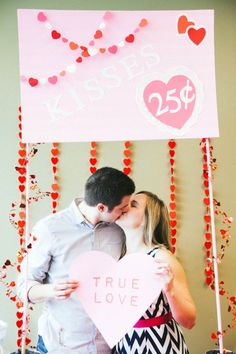 Marigold Mom: Valentine's Day photo shoot ideas (photo by Emily Magers Photography) Valentine Picture, Valentines Day Photos, Valentines Day Dinner, Valentines Games, Valentines Day Decorations, Valentine Crafts, Valentine Wishes, Valentinstag Party, Banquet Decorations