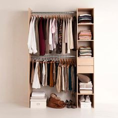 Dressing room: ideas for inspiration Open Wardrobe, Wardrobe Rack, Small Bedroom Storage, Storage Spaces, Home Bedroom, Bedroom Decor, Armoire Makeover, Build A Closet, Dressing Room Design