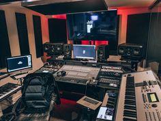 Studio Room Design, Home Studio Setup, Music Studio Room, Studio Ideas, Sound Studio, Recording Studio Setup, Home Music Rooms, Foto E Video, Music Studios