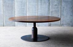 Table Apollo XXL - solid African walnut / metal