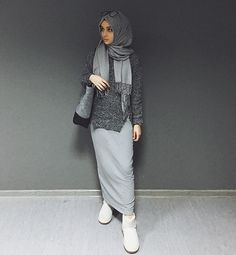 Uploaded by Unknown Hijabi. Find images and videos about fashion, islam and hijab on We Heart It - the app to get lost in what you love. Hijab Casual, Hijab Chic, Casual Wear, Modest Fashion, Fashion Outfits, Fashion Fashion, Hijab Stile, Moslem Fashion, Hijab Collection