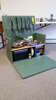 ideas for camping truck ideas chuck box Auto Camping, Camping Diy, Truck Bed Camping, Minivan Camping, Camping Survival, Tent Camping, Camping Gear, Camping Hacks, Outdoor Camping