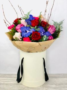If you are looking for Valentines Day inspiration you have come to the right place. We have a beautiful selection of your classic #valentinesday favourites #redroses #valentinesflowers #liverpoolflorist #flowersdelivered #flowerdelivery | Booker Flowers and Gifts Liverpool, Merseyside | Flower Delivery Liverpool - Same Day Delivery option | Florist Liverpool | Flower & Gift Shop Liverpool I Love You Balloons, Love Balloon, Dozen Red Roses, Gin Gifts, Pink Rose Bouquet, Valentines Flowers, Rose Gift, Flowers Delivered, Mini Roses