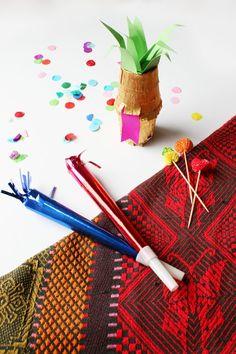 Invitación de Cumpleaños Original ¡Dentro de una Piña!