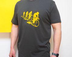 Los ciclistas y su sombras para hombre camiseta amarillo gris, bicicleta regalo, para los ciclistas, regalo para él, regalo de Papá, regalo de los hombres, impreso británico