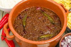Winning chili recipe for those with adventurous taste buds. Check out the best crockpot chili recipe dating back to the World's Best Chili, Best Chili Recipe, Chilli Recipes, Mexican Food Recipes, Crockpot Recipes, Soup Recipes, Cooking Recipes, Brown Chili Recipe, Dinner Recipes
