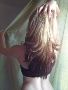 Reverse ombre hair tutorial for blondes Brunette Hair, Blonde Hair, Blonde Ombre, Ash Blonde, Ombre Hair Tutorial, Reverse Ombre Hair, Hair Color And Cut, Queen, Hair Today