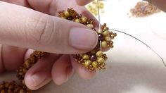 TheHeartBeading: Small Floral Bracelet Tutorial