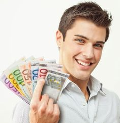 Eine kleine finanzielle Unabhängigkeit ist heutzutage wichtiger denn je. Für viele von uns wird es immer schwieriger noch die Grundbedürfnisse decken zu können, ebenso wie am sozialen Leben teilzunehmen, denn dafür benötigt man Geld.  http://geldverdienen-aktuell.blogspot.de/p/zusatzeinkommen.html