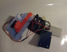 ARDUINO RFID Controlled Door
