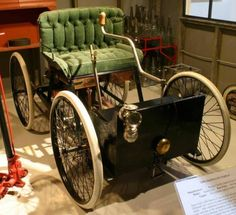 Primer autmóvil de Henry Ford - Cuadriciclo del año 1896 Retro Cars, Vintage Cars, Antique Cars, Rare Antique, Henry Ford, Hippie Car, Steam Tractor, Auto Start, Vintage Dance