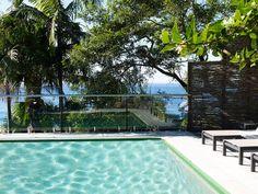 AMAROO, a Palm Beach House | Stayz