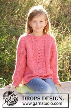 Clover - Knitted jumper for children in DROPS Air. The piece is worked top down with lace pattern and raglan.Photo above © DROPS Design I found this beautiful knitted jumper pattern on DROPS Design website. Knitted jumper for children.Where the knit Free Childrens Knitting Patterns, Knitting For Kids, Free Knitting, Knitting Needles, Jumper Patterns, Sweater Knitting Patterns, Lace Patterns, Knitting Sweaters, Easy Knitting Projects