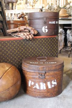 Vintage trunk and hat box