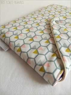 Pochette iPad vendue par les toiles filantes